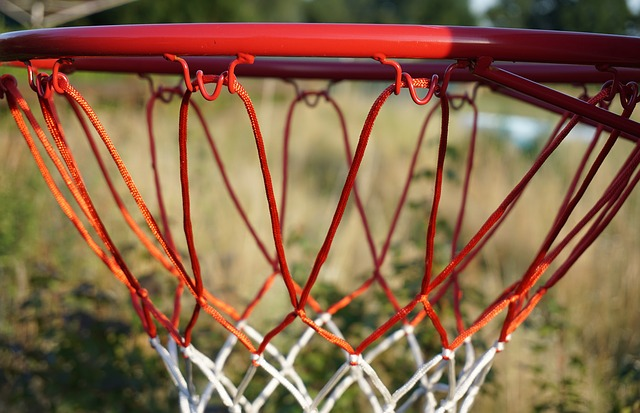 koš na basketbal