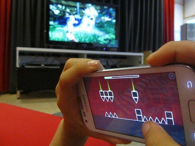 hry na mobilu