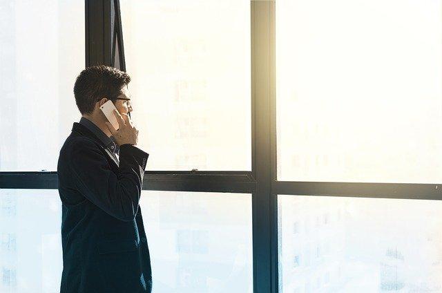 jednání po telefonu