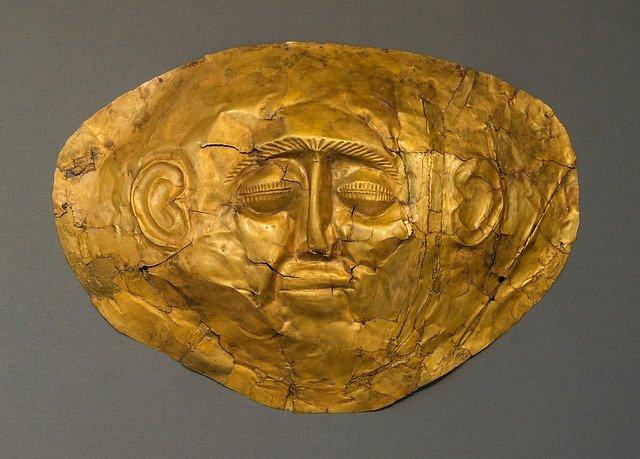 zlatá maska muže