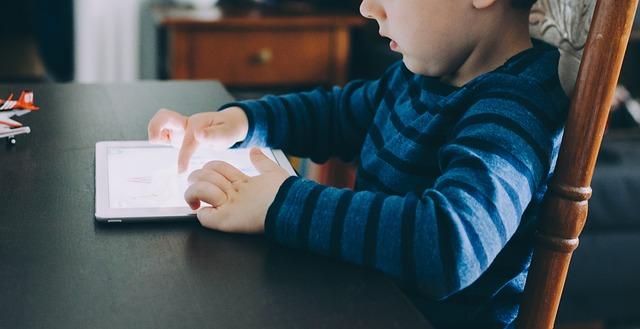 Jak ovlivnit malé děti technikou