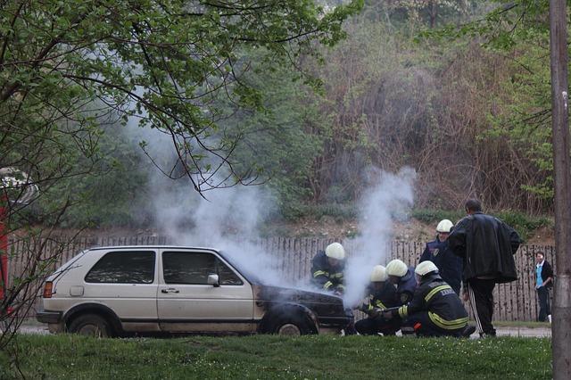 hasiči u auta