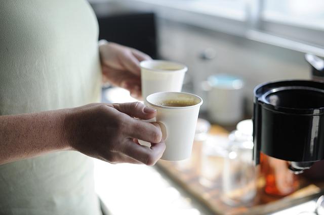 káva v hrnečku
