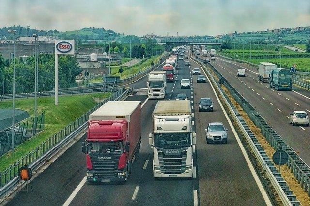 nákladní vozidla