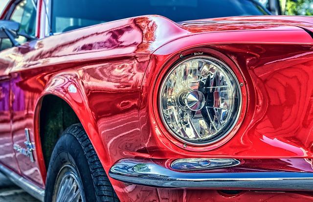 červený ford