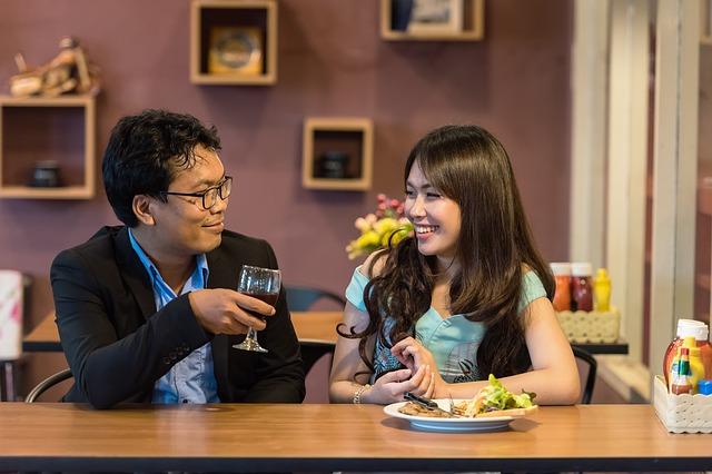 flirtování v restauraci