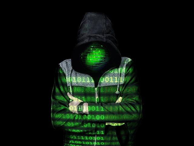 hacker v mikině