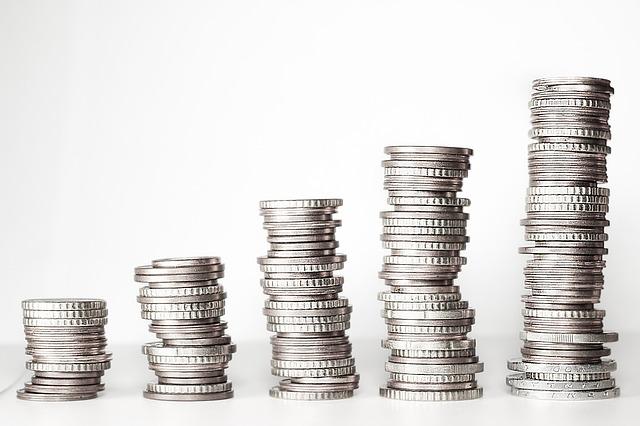 komínky stříbrných mincí