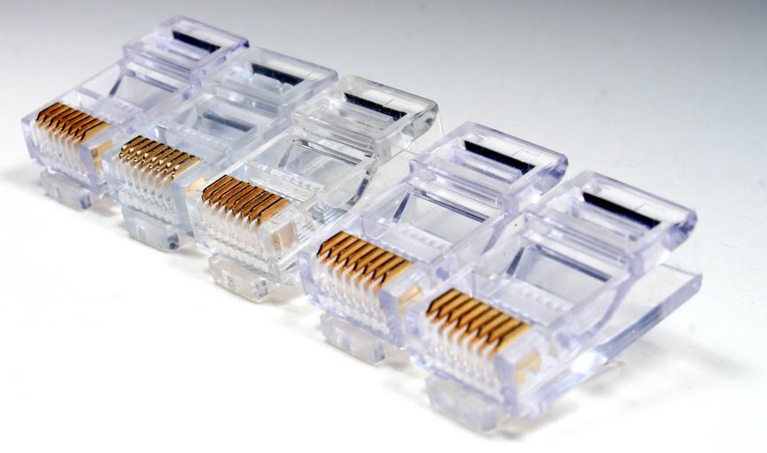 kolíky od kabelů