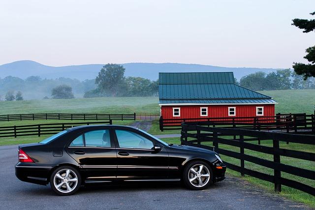 stodola za autem