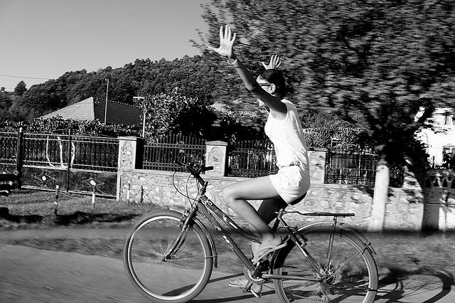 jízda na kole bez držení řídítek