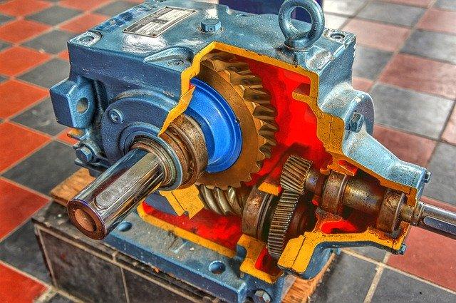 kovová strojní součást ozubené soukolí